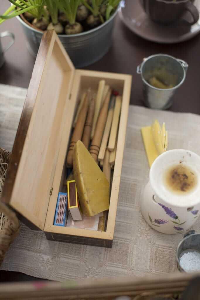 Tirpdyti natūralų bičių vašką